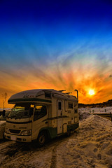 Winter Sunset (/\ltus) Tags: sunset snow ski japan parkinglot rv tohoku campingcar vantech zil520 altsbandai