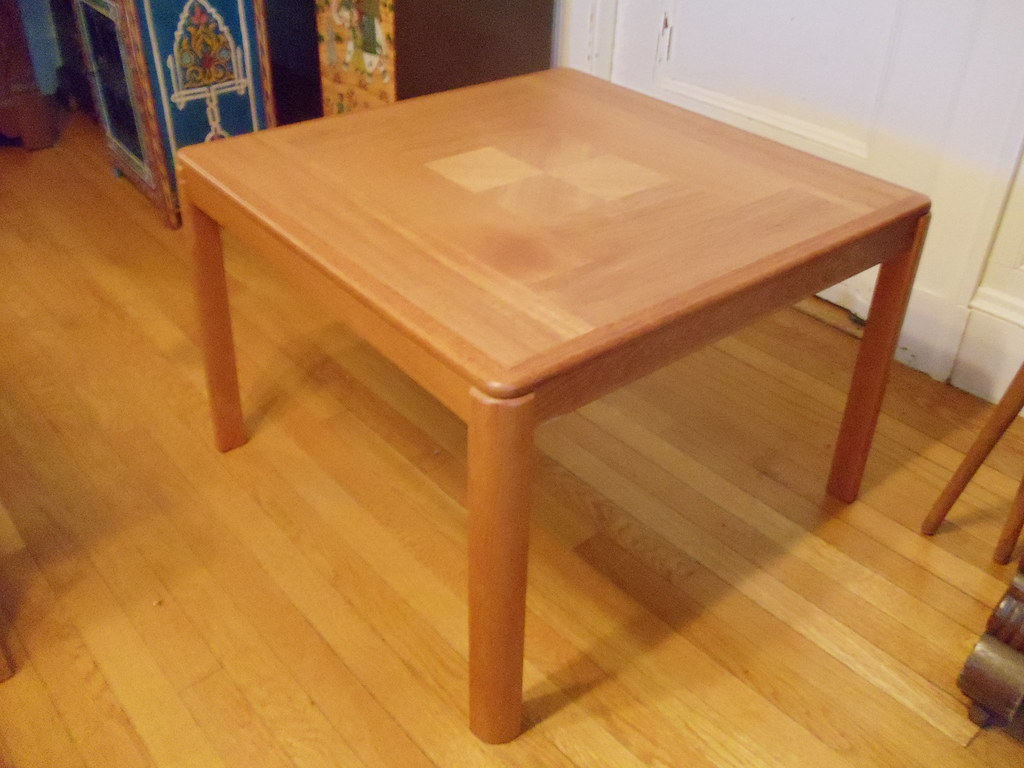 Item 4 Teak coffee/end table