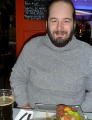Damien, tout content de sa pinte et de son steak startare