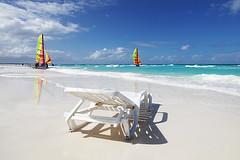 La playa de Cayo Santa Maria (Nino H) Tags: ocean santa beach sand chair maria cuba sable atlantic plage chaise cayo voilier barcelo atlantique flickrdiamond