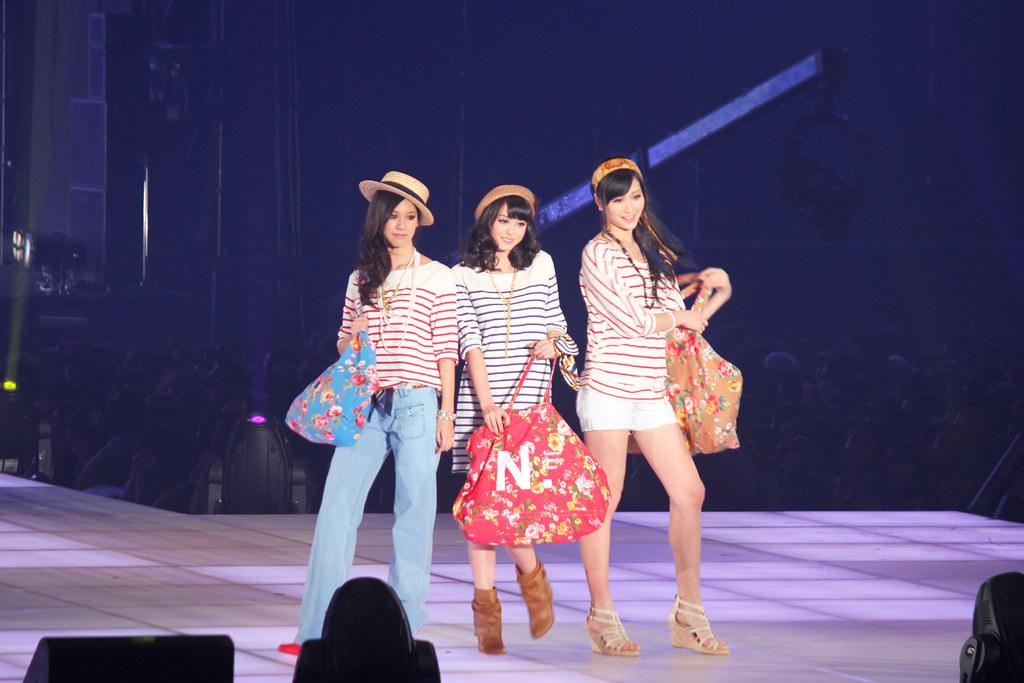 Tokyo Girl's Collection (18)