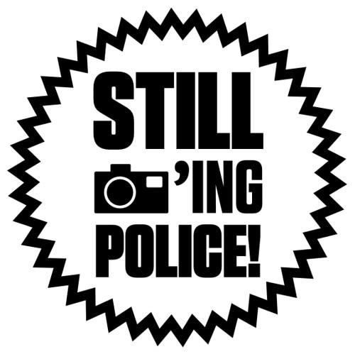 Still photoing police