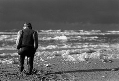 Lonely man on the beach (Guido Havelaar) Tags: bw beach schwarzweiss pretoebranco noirblanc  neroeblanco