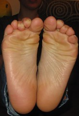 IMG_6180 (Dragonotna2) Tags: feet soles sexyfeet femalefeet sexysoles femalesoles