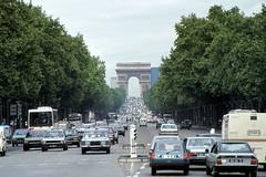 sier83090 (72grande) Tags: paris 1981 arcdetriomphe champselysées