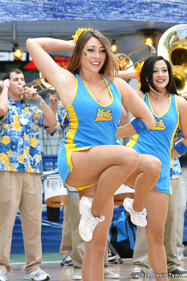 UCLA Dance Team 040