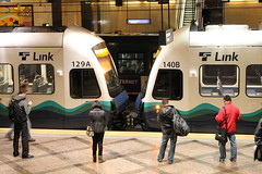 At Westlake (Oran Viriyincy) Tags: lrt soundtransit lrv kinkisharyo linklightrail