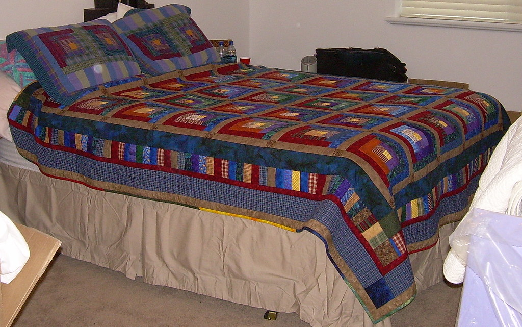 Log Cabin Quilt, moving day!
