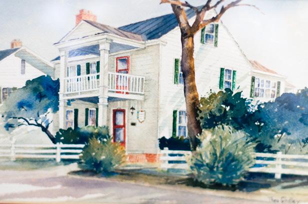 An Artist & Air Force Vet's Home in Beaufort, NC