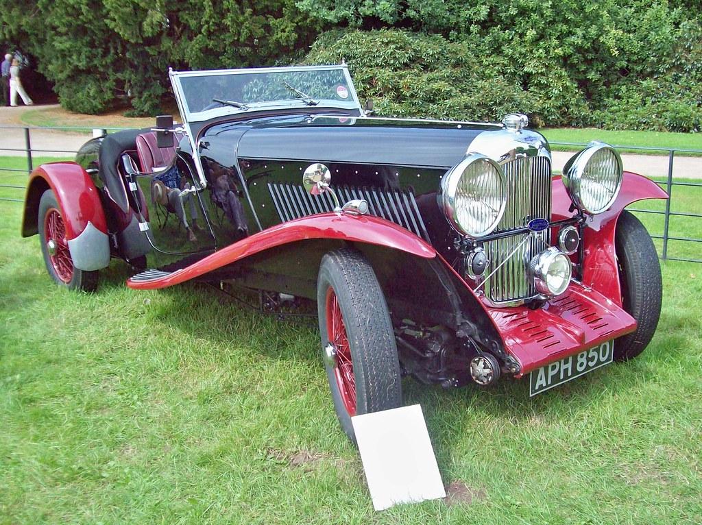 153 Lagonda 16/80 Vanden Plas Tourer (1933-35)