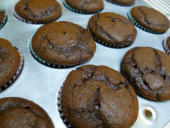 03 March 29 - Chocolate Cupcakes with Peanut Butter Icing (3)