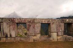 machu picchu 2 (mat56.) Tags: inca landscapes perù mura machupicchu paesaggi atmosfera architettura aguascalientes antichità mat56
