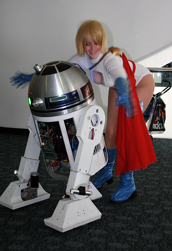 R2-XS at WonderCon 2011 by PIXELPUNK10010