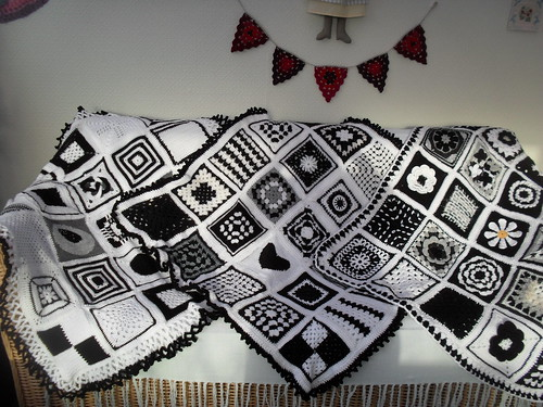 The 'Black and White' Sunshine Blankets!