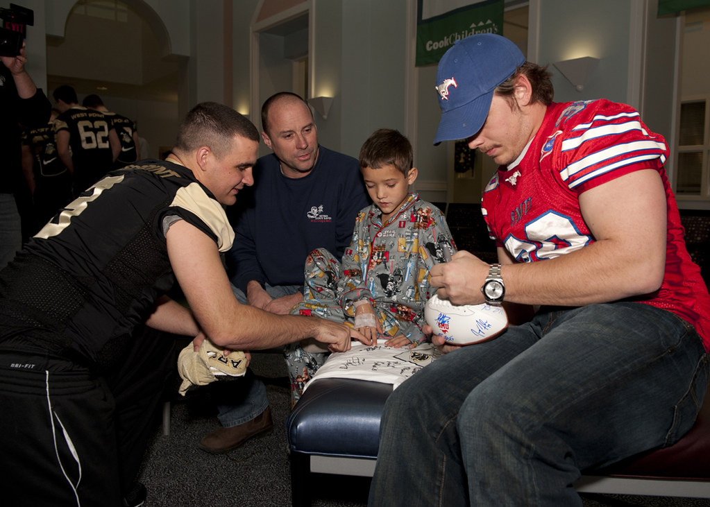 December 2010 Armed Forces Bowl Players Visit Cook Children's Hospital, FT Worth, TX