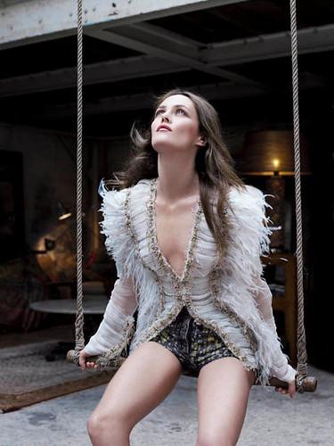 Chanel Rouge Coco Shine - новая серия помад Vanessa-Paradis-Rouge-Coco-Shine-3