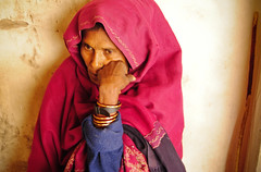 (ladylali) Tags: portrait woman india face ritratto flickraward flickraward5 flickrawardgallery peoplefromagra lauralazzeri