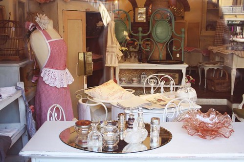 French style shop in Navigli