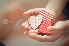 Modo {love} on (Rebe {happy-mami}) Tags: miguel hearts hands manos valentina corazones