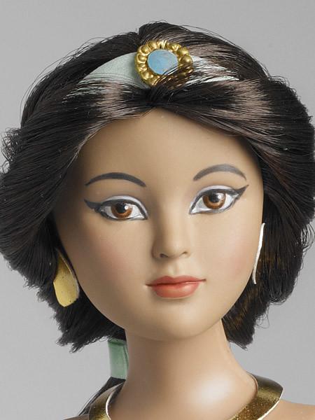 Tonner Jasmine Doll Detail