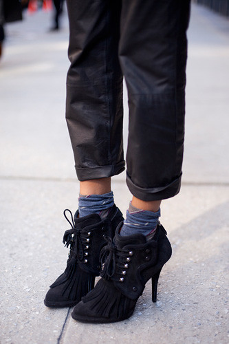 shoe-stalking-ramya-giangola-givenchy