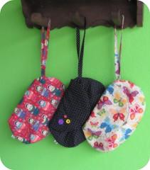 Bolsa Xuxu ... (Joana Joaninha) Tags: bag amor borboleta bolsa matriosca crafter produção 2011 artesã botões póa joanajoaninha hellennilce