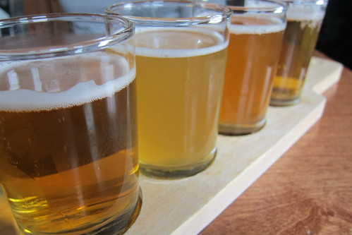 Blue Dog Beer Tavern: Beer Flight