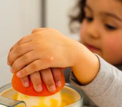 Orange juice (marywilson's eye) Tags: orange hands julia juice naranja zumo