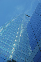 Fading fast (slithy-toves) Tags: blue sky reflections day clear comcastbuilding windowsphiladelphia