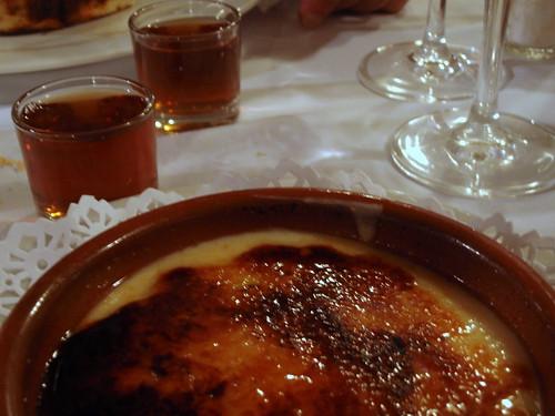 Malvasia de Sitges and crema catalana