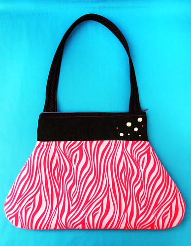 Zipper top purse