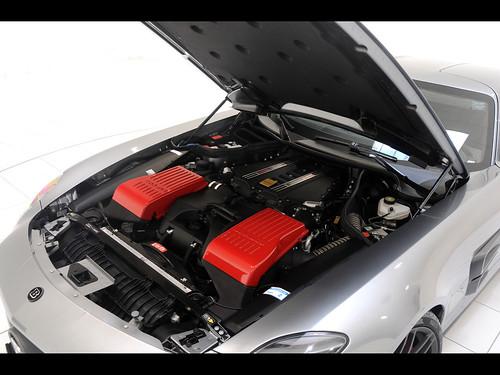 2011-Brabus-Mercedes-Benz-SLS-AMG-700-Biturbo-Engine-Compartment-1280x960