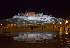 Potala Palace, Lhasa (H Sinica) Tags: leica photography tibet lhasa potala unescoworldheritage xizang m9 西藏 布達拉宮 拉薩 leicam9