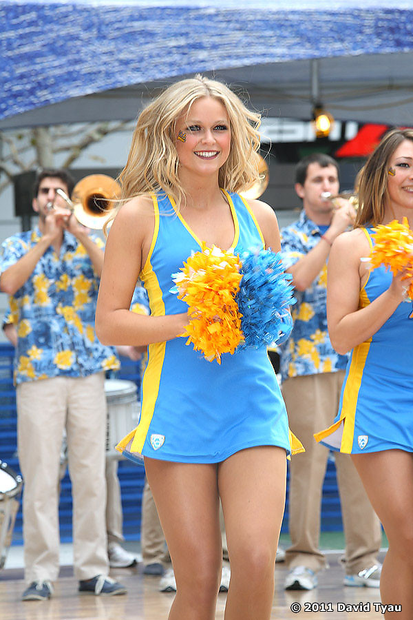 UCLA Dance Team 043