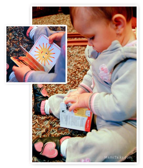 Maya leyendo