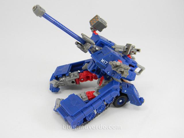 Transformers Darkmount (Straxus) Generations Deluxe - modo estación de batalla