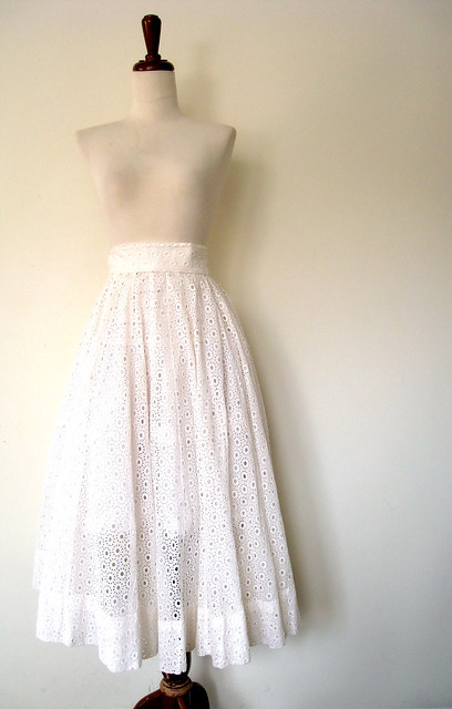 Sweet Eyelet Lace Full White Twirling Skirt, Vintage 50's