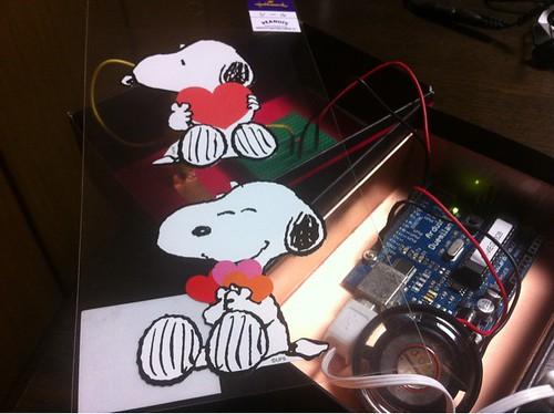 ほー、なんだか新しい発想ですね。ちなみに今日はパパトロ#papatro 電子メロディに貼るシールを買ってきました。 @yuko9o9o