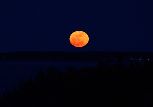 """3-19-11 """"Super Moon"""" over Maine by Dana Moos, on Flickr"""
