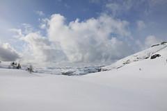 Hlandsdalen (dese) Tags: winter mountain snow mountains nature berg norway clouds montagne landscape march photo foto natur norwegen saturday natura norwegian hora scandinavia montaa montagna montanha gora da march19 fusa dese  2011 bjerg planina  mgi planine hlandsdalen desefoto