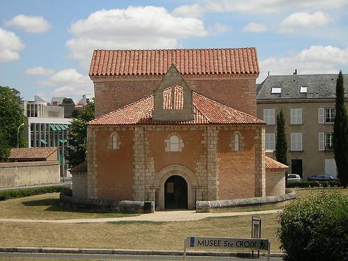 Poitiers baptisterio