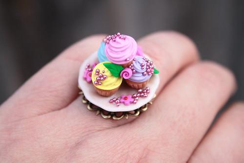 january 25, 2011 - marie antoinette cupcake ring