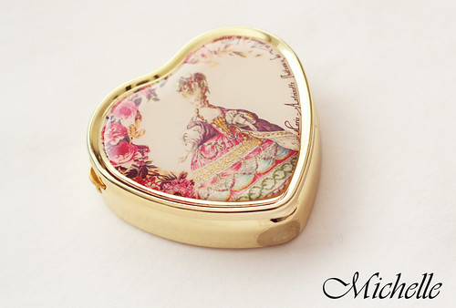 Marie Antoinette Pillbox