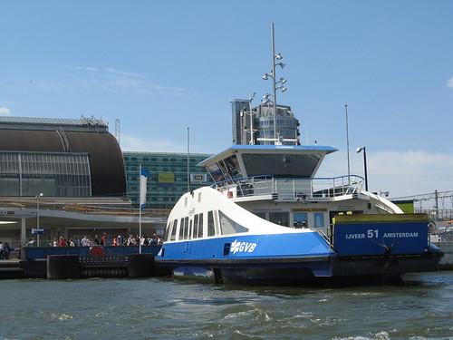 Transporte público de Amsterdam: Balsa da GVB em Amsterdam