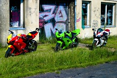 600 vs.636 vs.600 (StriciKanegér) Tags: 2005 2003 green 2004 st out mod ninja quality samsung 2006 burn 600 stc 500 custom kawasaki exhaust paintjob zx footage zx6r 636 zx636 leovince monsterslip procejct
