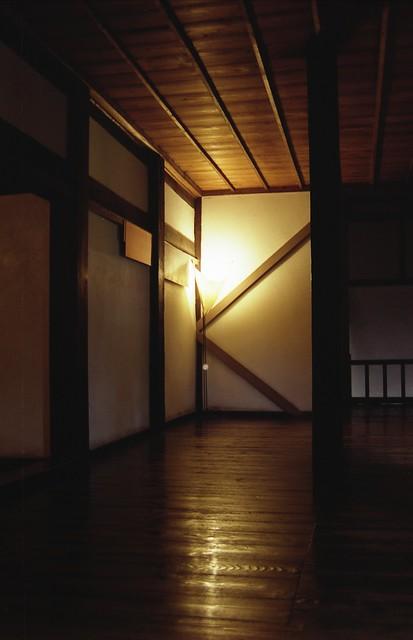 熊本城内の灯りのフリー写真素材