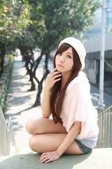 [フリー画像] 人物, 女性, アジア女性, 台湾人, 帽子・キャップ, 201105202100