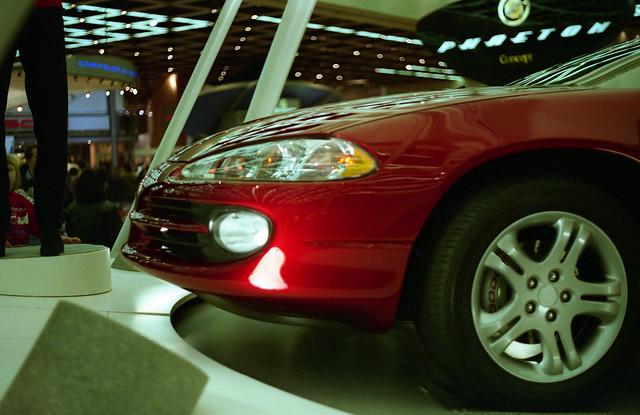 film 35mm unitedstates michigan detroit 1997 naias detroitautoshow northamericaninternationalautoshow 4star dodgeintrepid ricohxrm privpublic