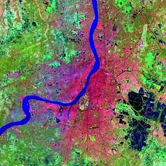 Calcutta, India (SEDACMaps) Tags: india map calcutta remotesensing landsat7 ciesin sedac landsat5 ciesin:collectionhuid=ulandsat ciesin:datasethuid=ulandsatcitiesfromspace