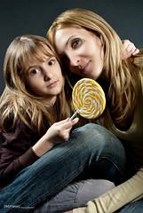 miru&oana (cristi_baias) Tags: girls beauty nikon candy familypictures blonde cb bucharest bucuresti oana chrisz sb800 miruna d80 cristibaias aheadstudio